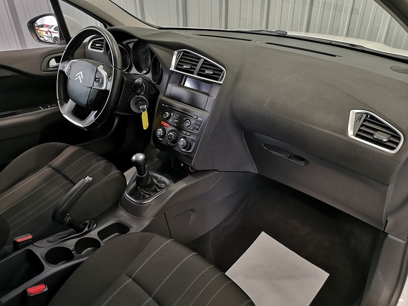 Photo 7 de l'offre de CITROEN C4 BLUEHDI 100CH LIVE à 8990€ chez Auto VEC