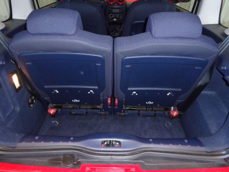 Photo 11 de l'offre de PEUGEOT 1007 1.4 HDI TRENDY à 3990€ chez Auto VEC