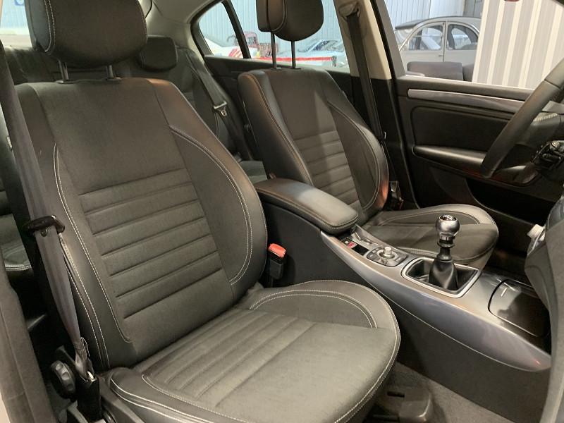 Photo 12 de l'offre de RENAULT LAGUNA III 2.0 DCI 150CH FAP GT 4CONTROL à 5490€ chez Auto VEC