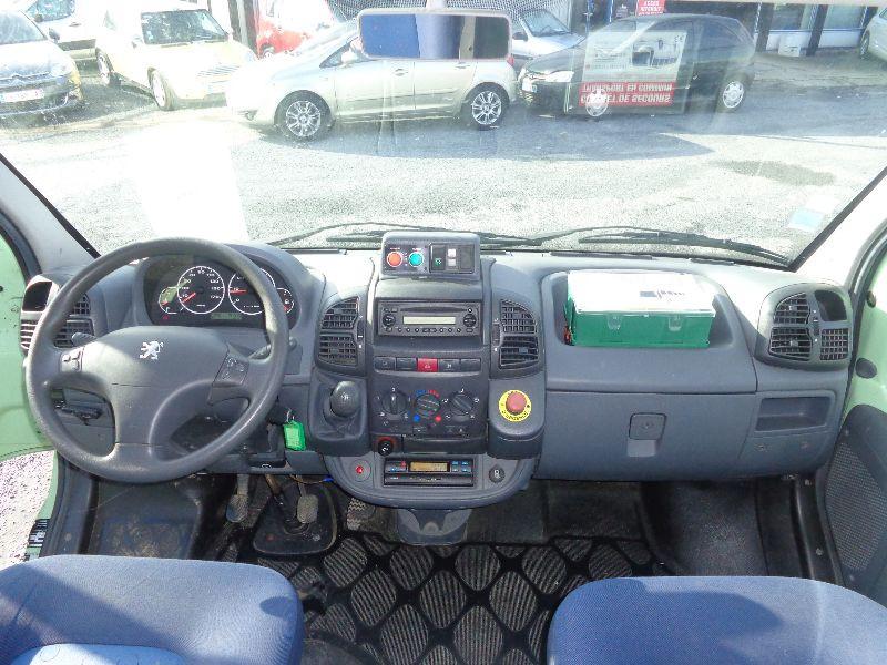 Photo 6 de l'offre de PEUGEOT BOXER MINIBUS HDI à 8990€ chez Auto VEC