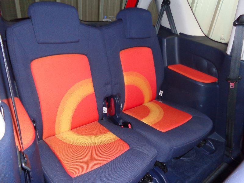 Photo 10 de l'offre de PEUGEOT 1007 1.4 HDI TRENDY à 3990€ chez Auto VEC