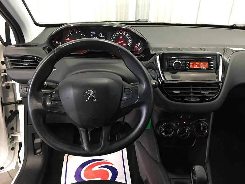 Photo 9 de l'offre de PEUGEOT 208 AFFAIRE 1.4 HDI 68 FAP PACK CD CLIM 5P à 6990€ chez Auto VEC