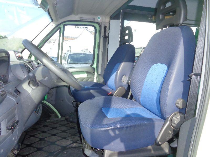 Photo 7 de l'offre de PEUGEOT BOXER MINIBUS HDI à 8990€ chez Auto VEC