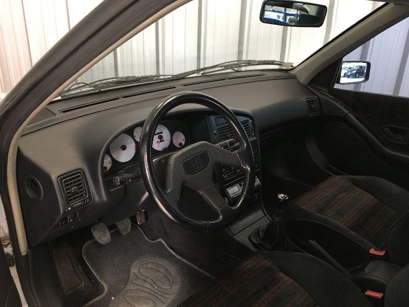 Photo 4 de l'offre de PEUGEOT 405 2.0 MI 16 4P à 10990€ chez Auto VEC