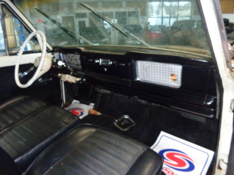 Photo 11 de l'offre de JEEP GLADIATOR TOWNSIDE V8 327 J 3000 DAKTARI à 29990€ chez Auto VEC