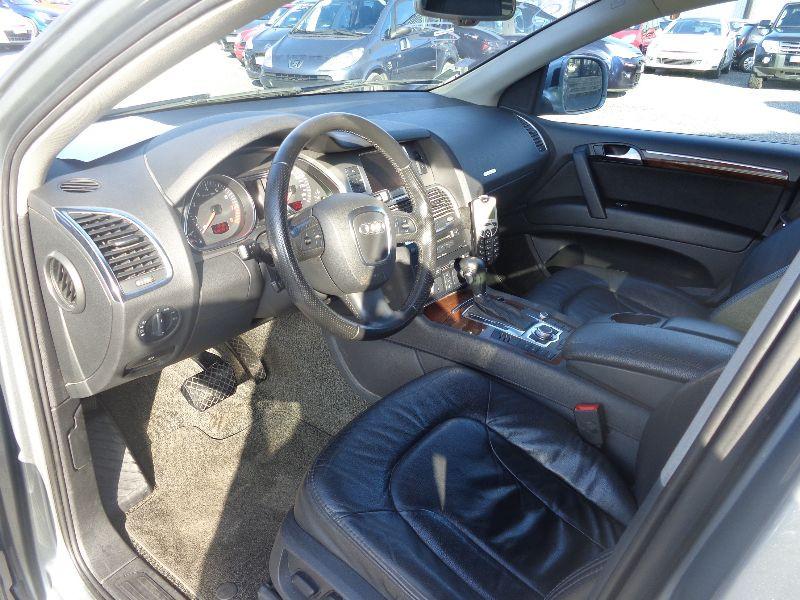Photo 4 de l'offre de AUDI Q7 4.2 FSI AVUS TTRO 7PL à 23990€ chez Auto VEC