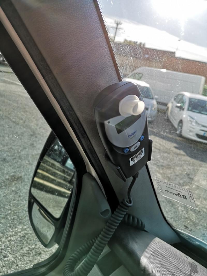 Photo 10 de l'offre de RENAULT MASTER II BUS L3H2 3T9 2.5 DCI 120CH à 9990€ chez Auto VEC