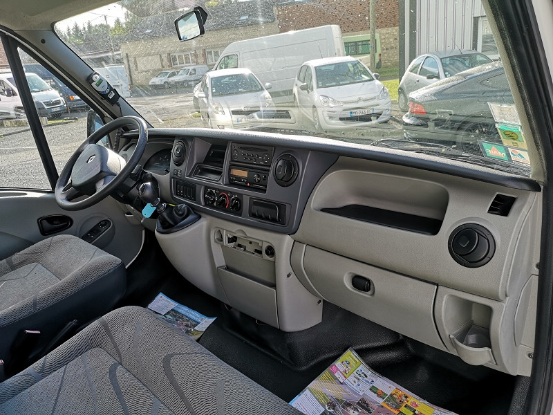 Photo 8 de l'offre de RENAULT MASTER II BUS L3H2 3T9 2.5 DCI 120CH à 9990€ chez Auto VEC