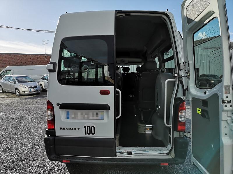 Photo 15 de l'offre de RENAULT MASTER II BUS L3H2 3T9 2.5 DCI 120CH à 9990€ chez Auto VEC