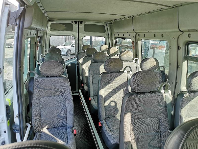 Photo 13 de l'offre de RENAULT MASTER II BUS L3H2 3T9 2.5 DCI 120CH à 9990€ chez Auto VEC