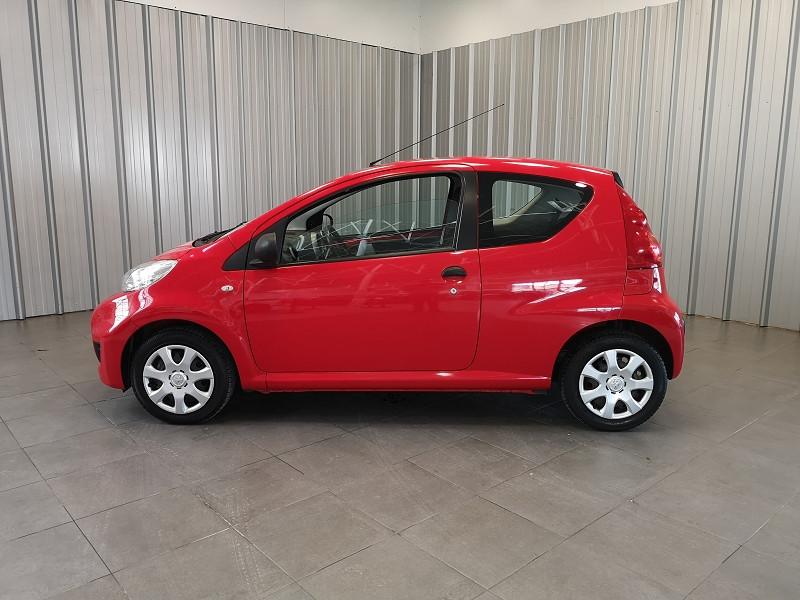 Photo 3 de l'offre de PEUGEOT 107 1.0 12V URBAN EURO5 3P à 5990€ chez Auto VEC
