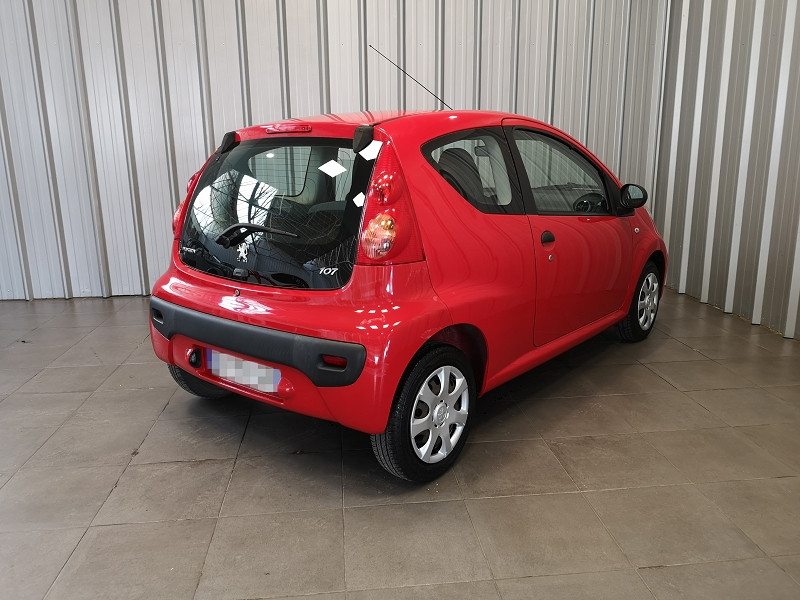 Photo 5 de l'offre de PEUGEOT 107 1.0 12V URBAN EURO5 3P à 5990€ chez Auto VEC