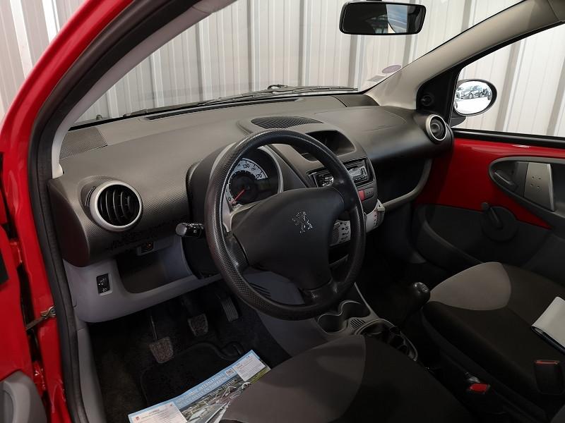 Photo 7 de l'offre de PEUGEOT 107 1.0 12V URBAN EURO5 3P à 5990€ chez Auto VEC