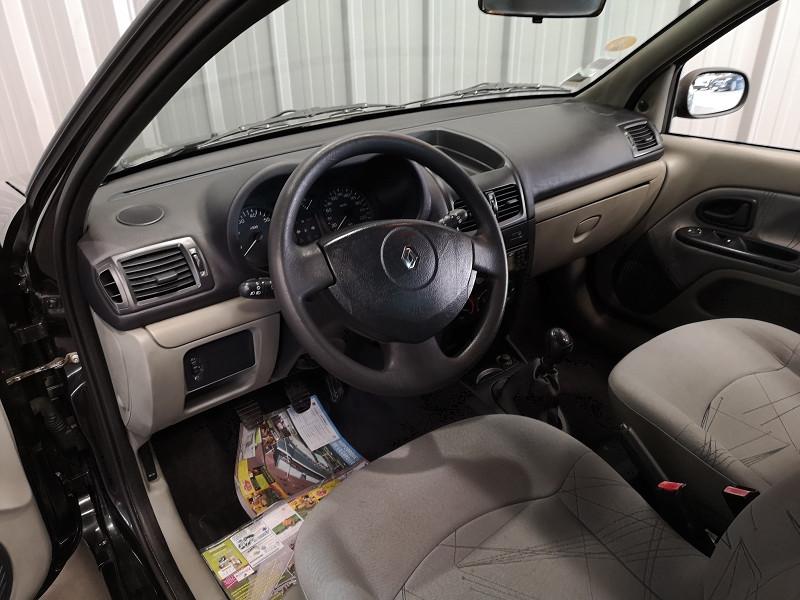 Photo 7 de l'offre de RENAULT CLIO II 1.2 (1149) 58CH EXPRESSION 3P à 2490€ chez Auto VEC