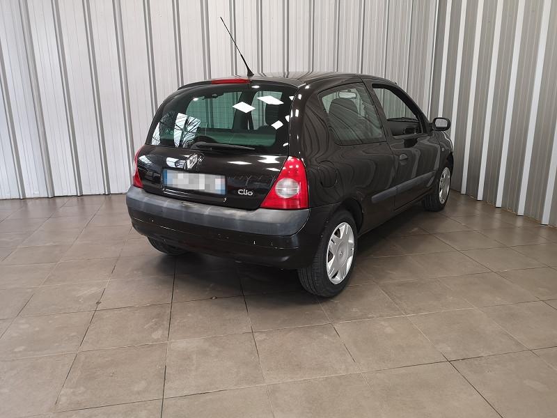 Photo 5 de l'offre de RENAULT CLIO II 1.2 (1149) 58CH EXPRESSION 3P à 2490€ chez Auto VEC