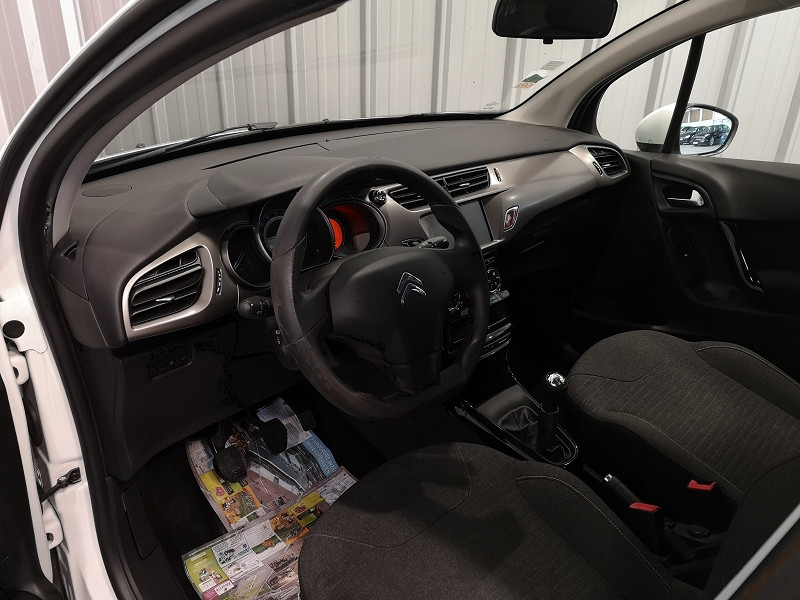 Photo 4 de l'offre de CITROEN C3 STE 1.6 BLUEHDI 100 S&S CONFORT à 7490€ chez Auto VEC