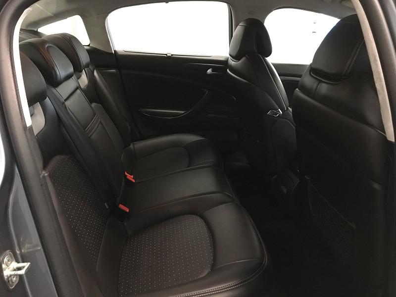 Photo 9 de l'offre de CITROEN C5 3.0 V6 HDI 240 FAP EXCLUSIVE BVA6 à 8490€ chez Auto VEC