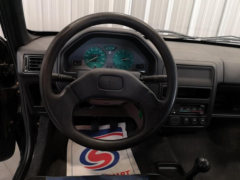 Photo 9 de l'offre de PEUGEOT 106 1.0 KID 3P à 2990€ chez Auto VEC