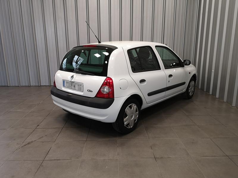 Photo 5 de l'offre de RENAULT CLIO II 1.5 DCI 65CH AUTHENTIQUE 5P à 3990€ chez Auto VEC