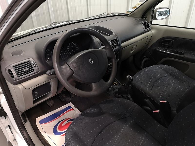 Photo 7 de l'offre de RENAULT CLIO II 1.5 DCI 65CH AUTHENTIQUE 5P à 3990€ chez Auto VEC