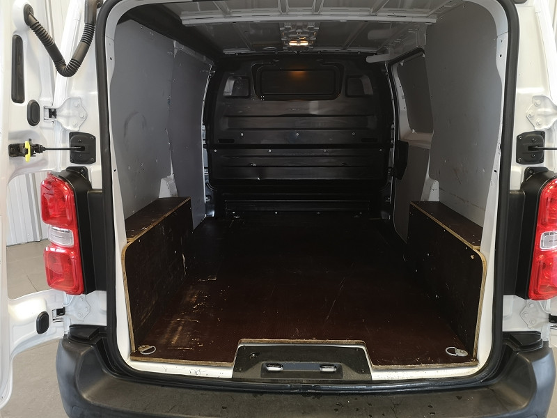 Photo 15 de l'offre de CITROEN JUMPY FG M 1.6 BLUEHDI 95CH CLUB à 16490€ chez Auto VEC