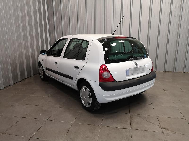 Photo 6 de l'offre de RENAULT CLIO II 1.5 DCI 65CH AUTHENTIQUE 5P à 3990€ chez Auto VEC