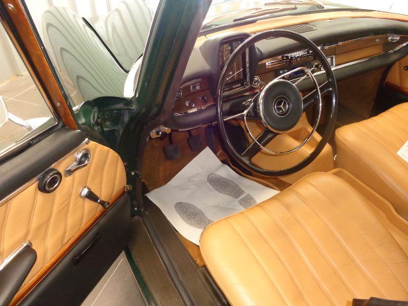 Photo 16 de l'offre de MERCEDES 220 SE à 22990€ chez Auto VEC