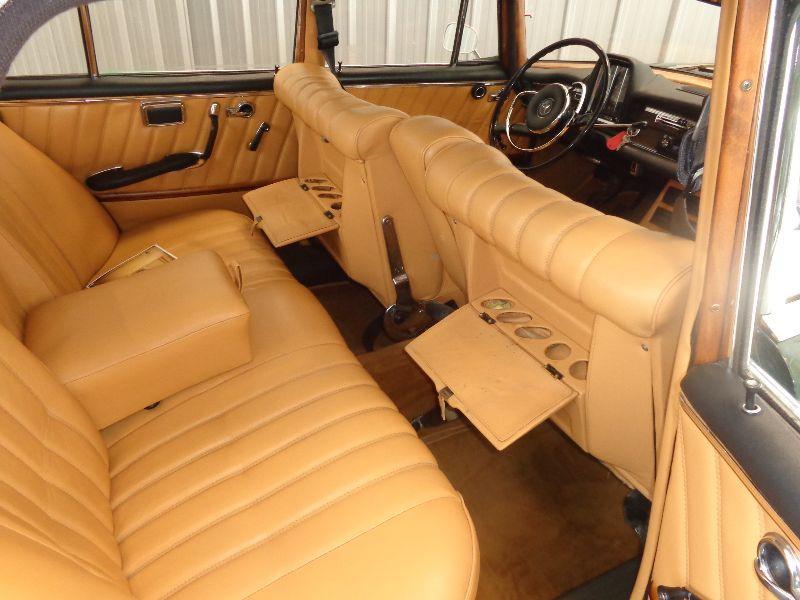 Photo 7 de l'offre de MERCEDES 220 SE à 22990€ chez Auto VEC