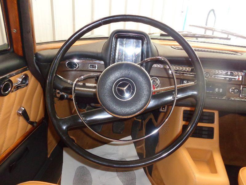 Photo 15 de l'offre de MERCEDES 220 SE à 22990€ chez Auto VEC
