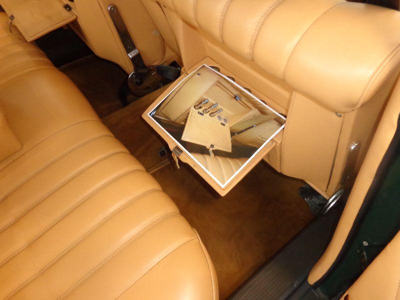 Photo 8 de l'offre de MERCEDES 220 SE à 22990€ chez Auto VEC