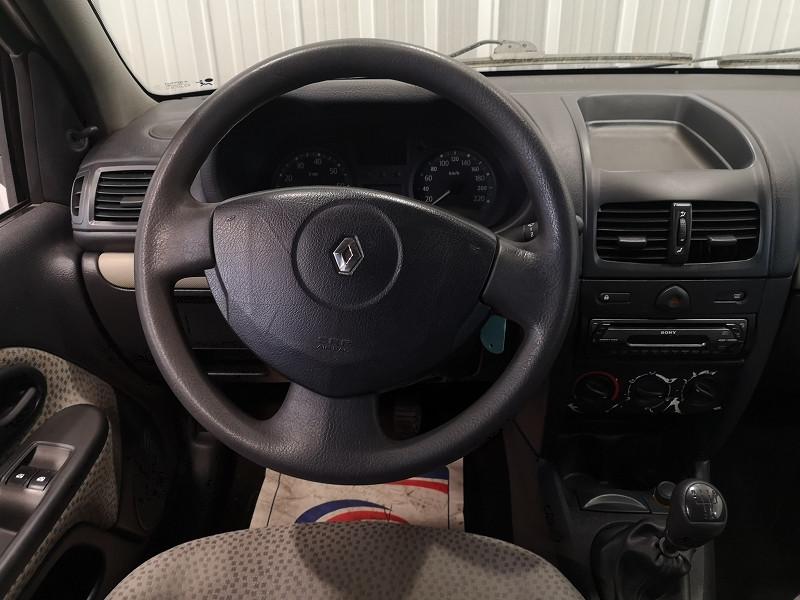 Photo 9 de l'offre de RENAULT CLIO II 1.5 DCI 65CH CAMPUS 5P à 4490€ chez Auto VEC
