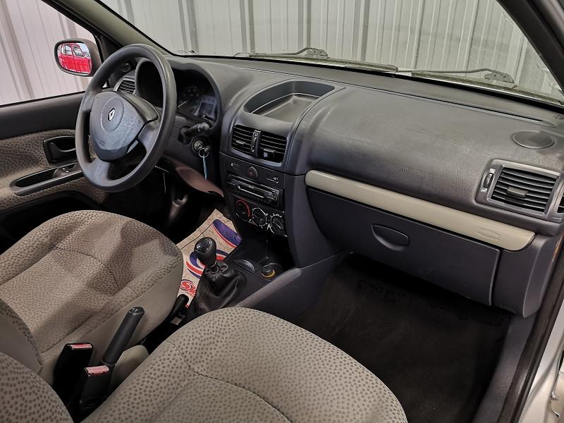 Photo 8 de l'offre de RENAULT CLIO II 1.5 DCI 65CH CAMPUS 5P à 4490€ chez Auto VEC