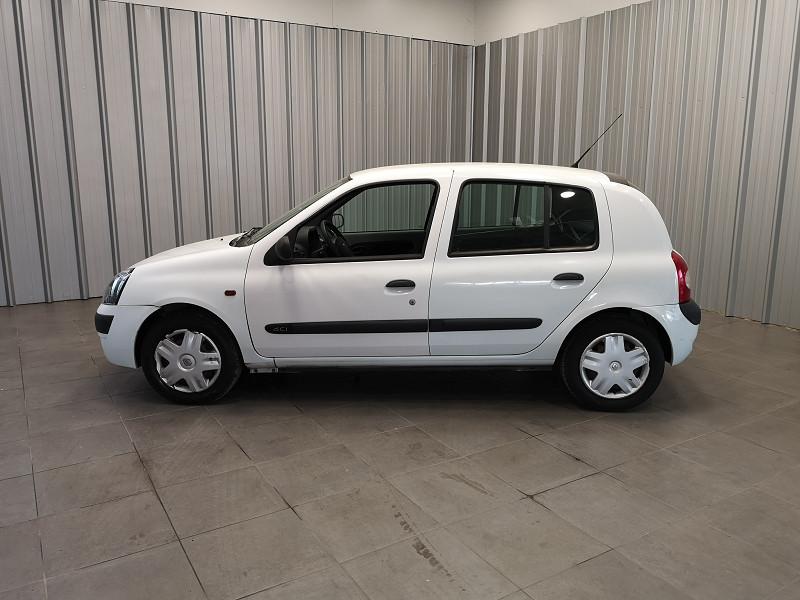 Photo 3 de l'offre de RENAULT CLIO II CAMPUS 1.2 60CH AUTHENTIQUE 5P à 3990€ chez Auto VEC