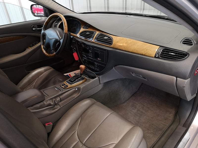 Photo 7 de l'offre de JAGUAR S-TYPE 3.0 V6 PACK BA à 3990€ chez Auto VEC