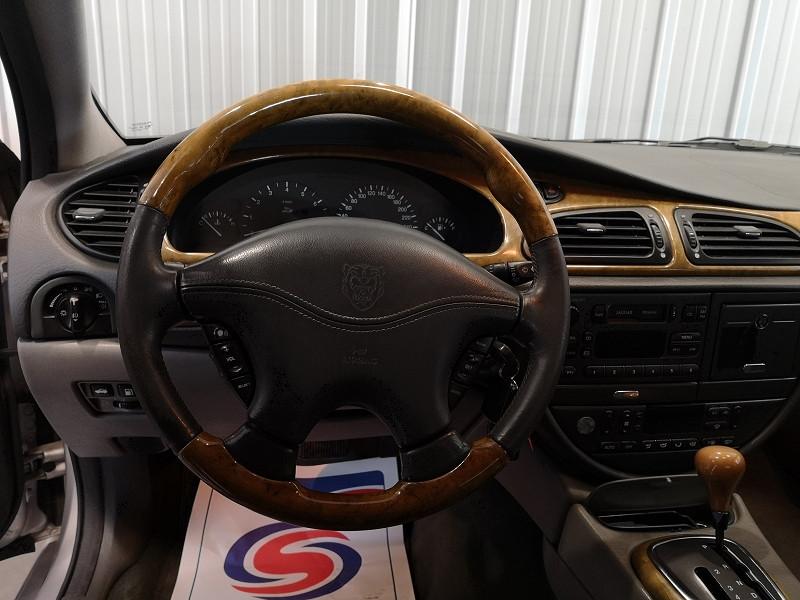 Photo 8 de l'offre de JAGUAR S-TYPE 3.0 V6 PACK BA à 3990€ chez Auto VEC