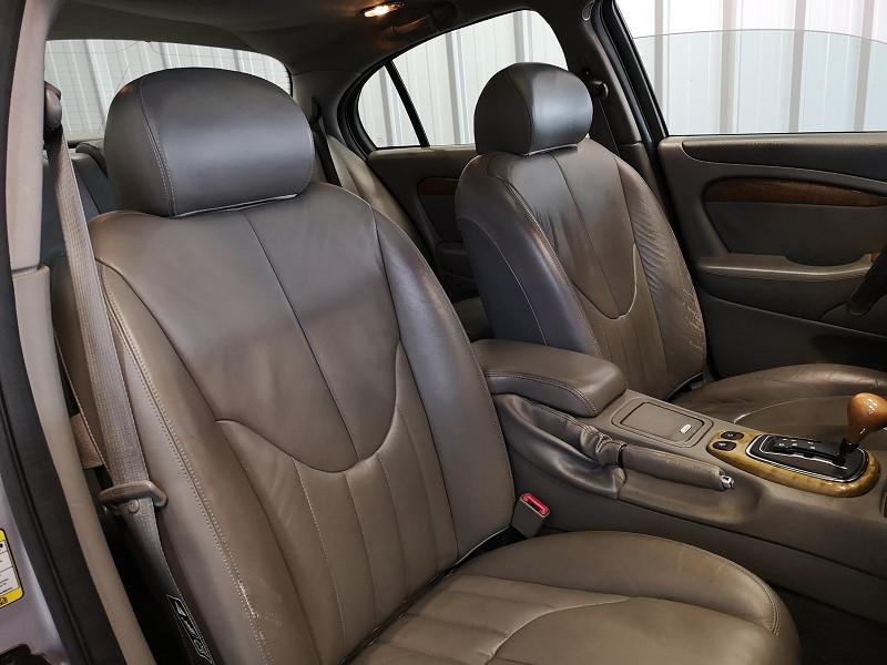 Photo 11 de l'offre de JAGUAR S-TYPE 3.0 V6 PACK BA à 3990€ chez Auto VEC