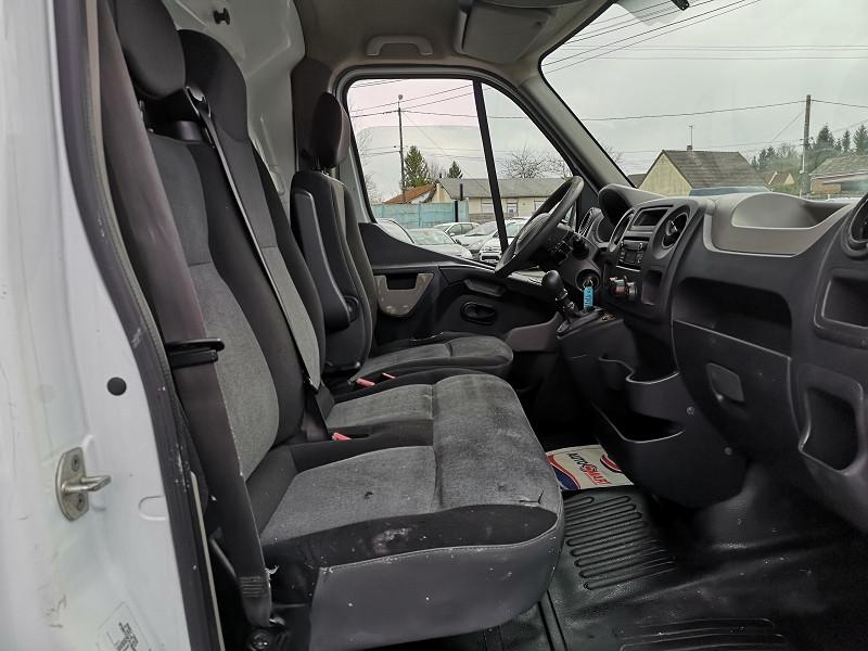 Photo 12 de l'offre de RENAULT MASTER III FG F3300 L2H2 2.3 DCI 100CH CONFORT à 10490€ chez Auto VEC