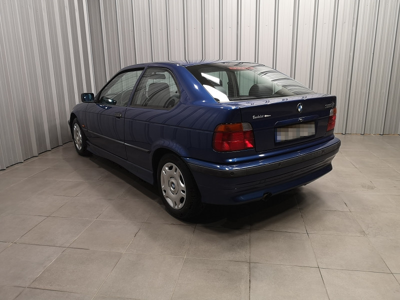 Photo 6 de l'offre de BMW SERIE 3 COMPACT (E36) 316IA 105CH à 5490€ chez Auto VEC