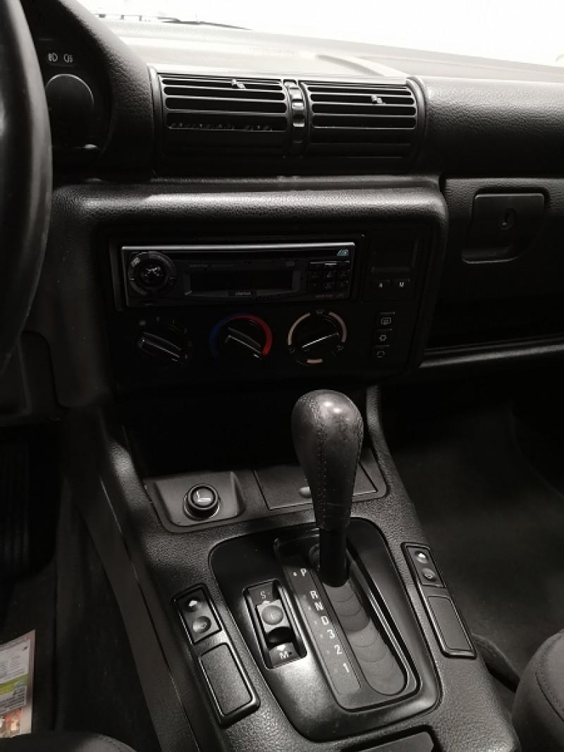 Photo 10 de l'offre de BMW SERIE 3 COMPACT (E36) 316IA 105CH à 5490€ chez Auto VEC