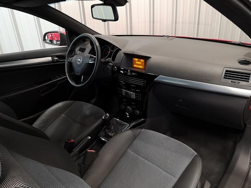 Photo 11 de l'offre de OPEL ASTRA TWINTOP 1.6 TURBO COSMO à 6490€ chez Auto VEC