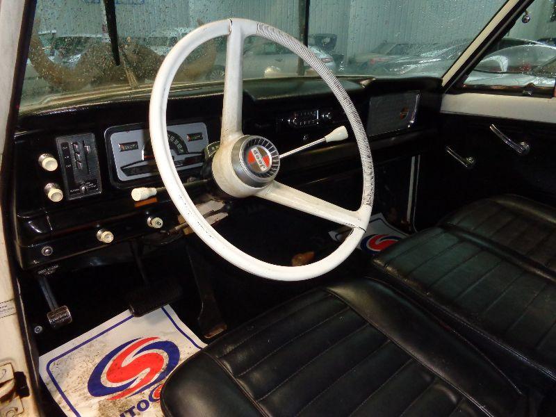 Photo 8 de l'offre de JEEP GLADIATOR TOWNSIDE V8 327 J 3000 DAKTARI à 29990€ chez Auto VEC