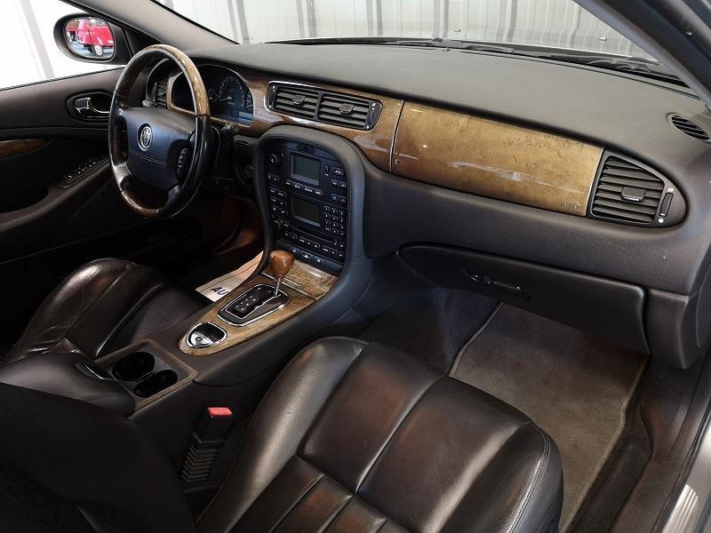 Photo 8 de l'offre de JAGUAR S-TYPE 3.0 V6 CLASSIQUE BA à 7990€ chez Auto VEC