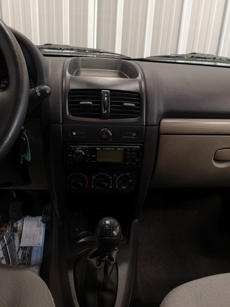 Photo 10 de l'offre de RENAULT CLIO II 1.2 (1149) 58CH EXPRESSION 3P à 2490€ chez Auto VEC