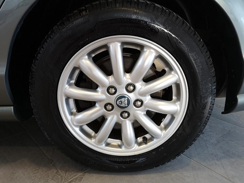 Photo 14 de l'offre de JAGUAR S-TYPE 3.0 V6 CLASSIQUE BA à 7990€ chez Auto VEC