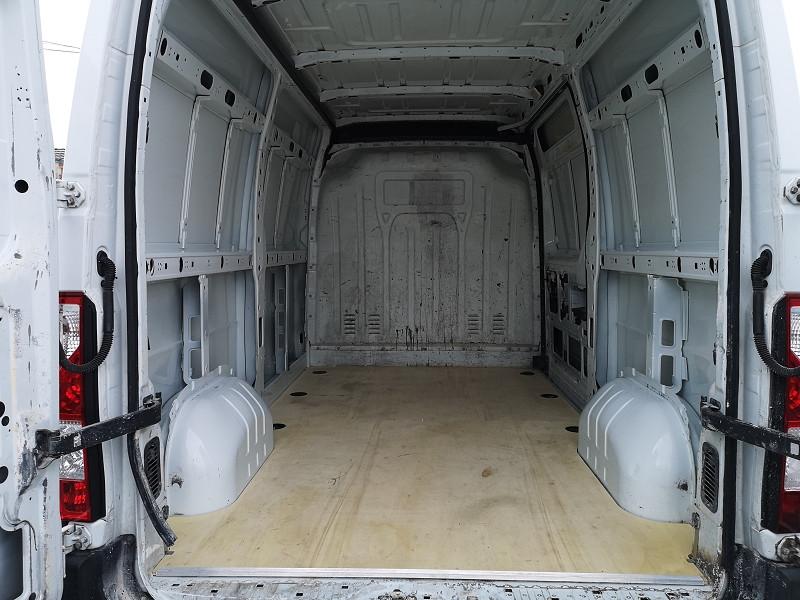 Photo 14 de l'offre de RENAULT MASTER III FG F3300 L2H2 2.3 DCI 100CH CONFORT à 10490€ chez Auto VEC