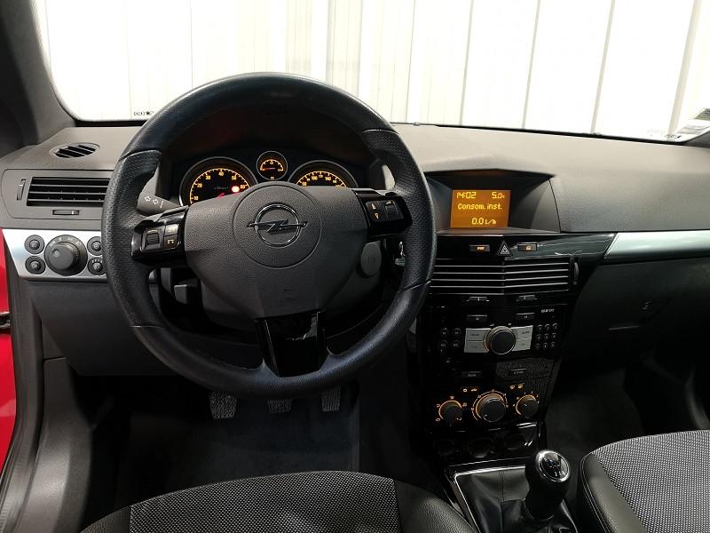 Photo 12 de l'offre de OPEL ASTRA TWINTOP 1.6 TURBO COSMO à 6490€ chez Auto VEC