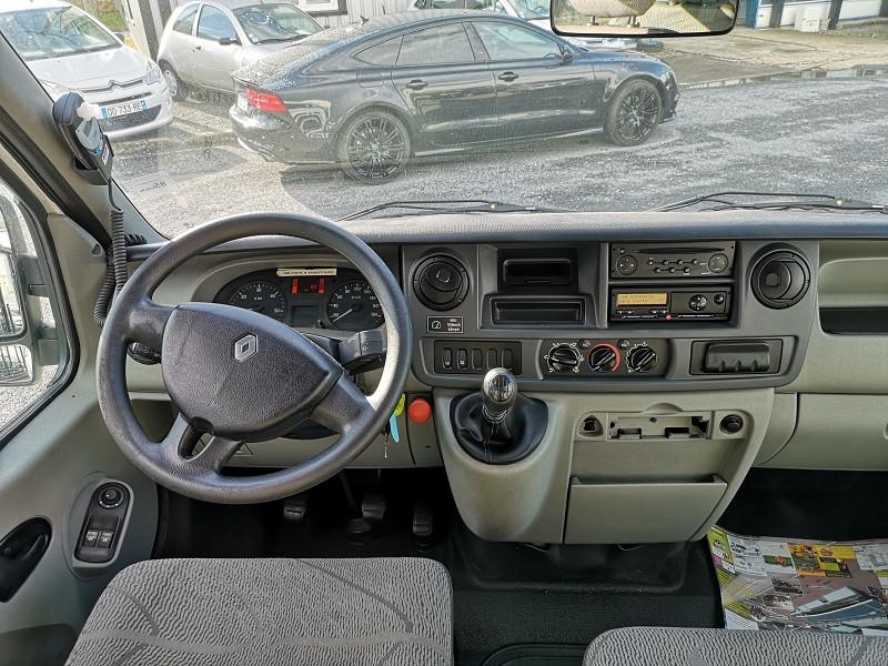 Photo 9 de l'offre de RENAULT MASTER II BUS L3H2 3T9 2.5 DCI 120CH à 9990€ chez Auto VEC