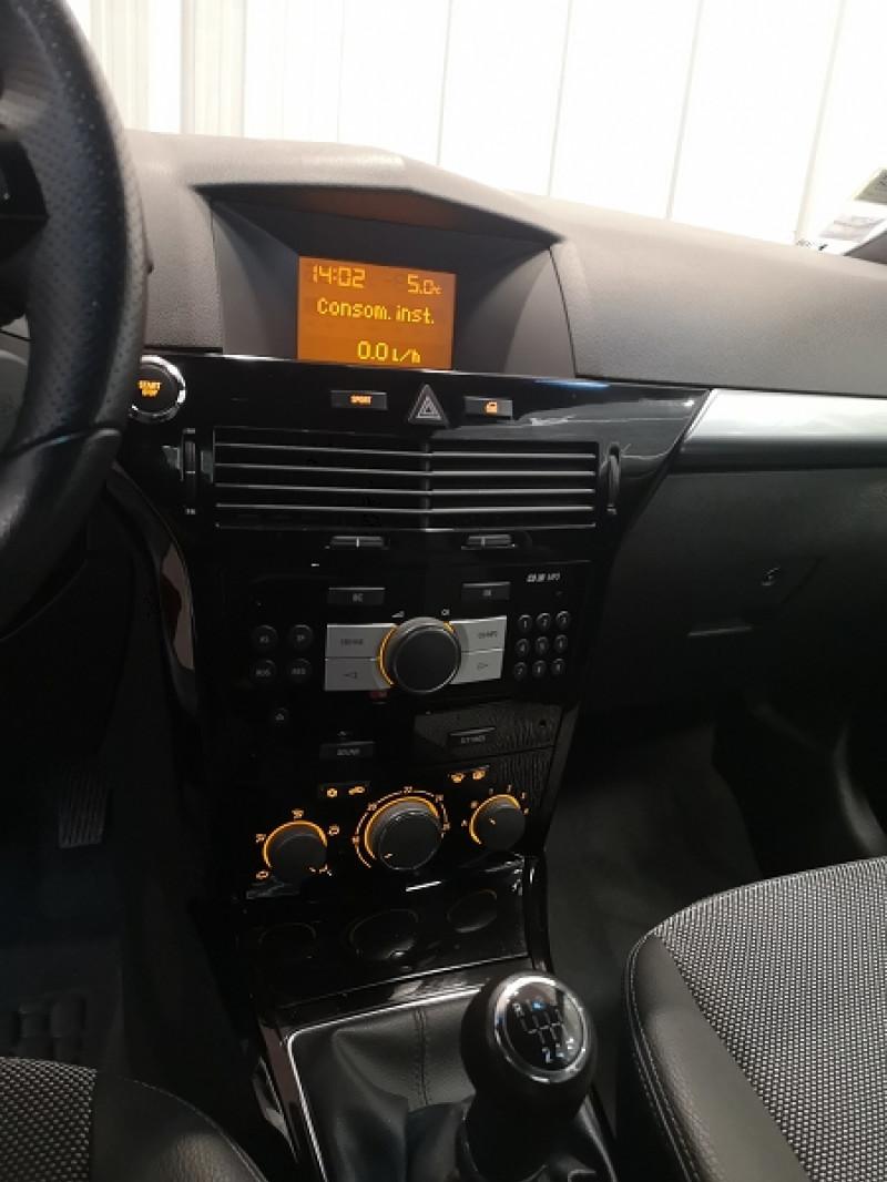 Photo 13 de l'offre de OPEL ASTRA TWINTOP 1.6 TURBO COSMO à 6490€ chez Auto VEC