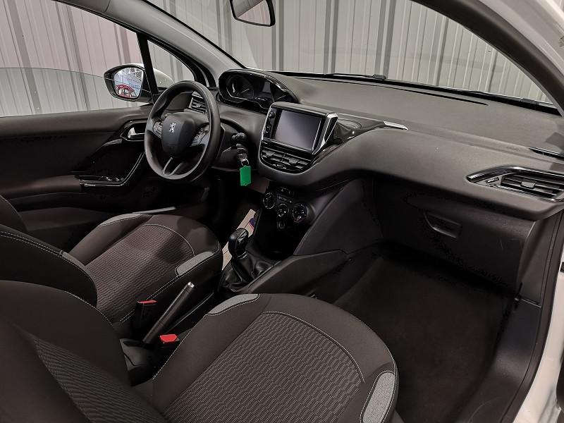 Photo 8 de l'offre de PEUGEOT 208 1.6 BLUEHDI 75CH ACTIVE 3P à 7990€ chez Auto VEC