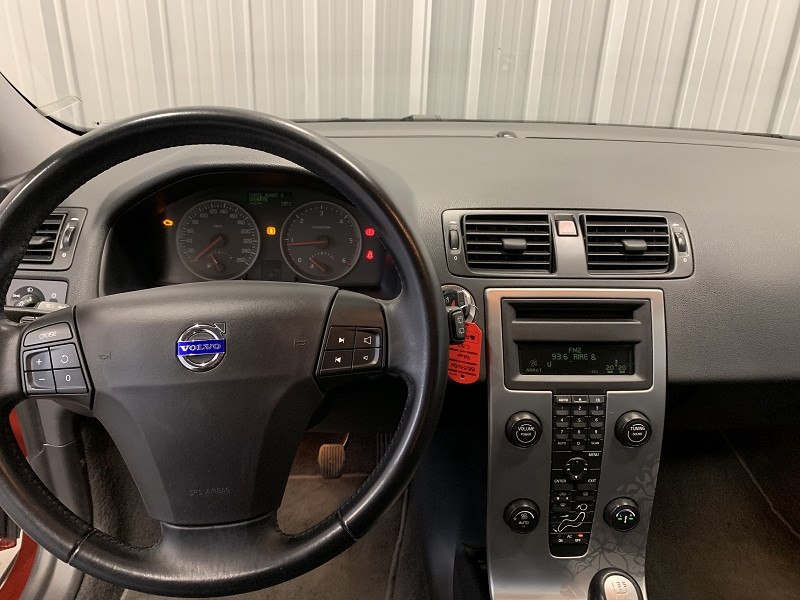 Photo 8 de l'offre de VOLVO C30 1.6 D 110CH MOMENTUM à 6490€ chez Auto VEC